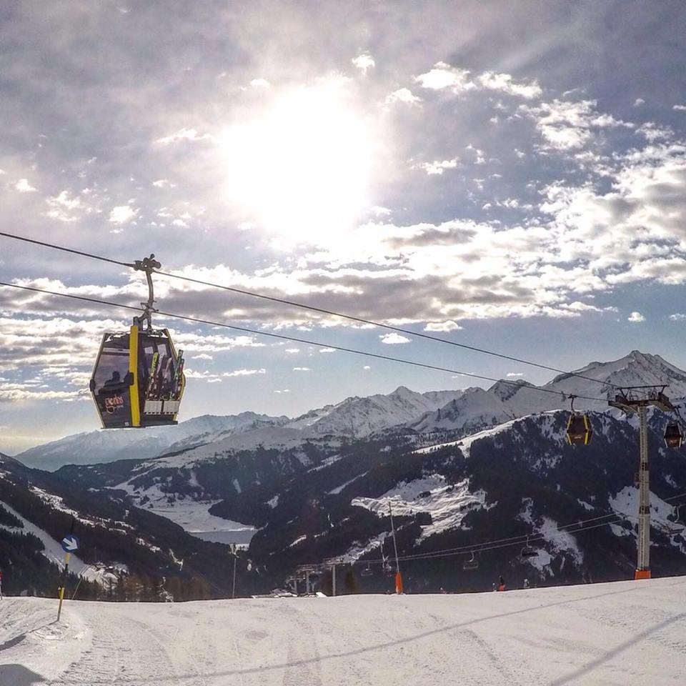 Sneeuw zon skilift