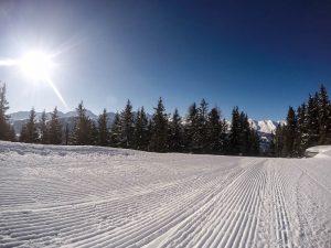 zon piste skilift sneeuw