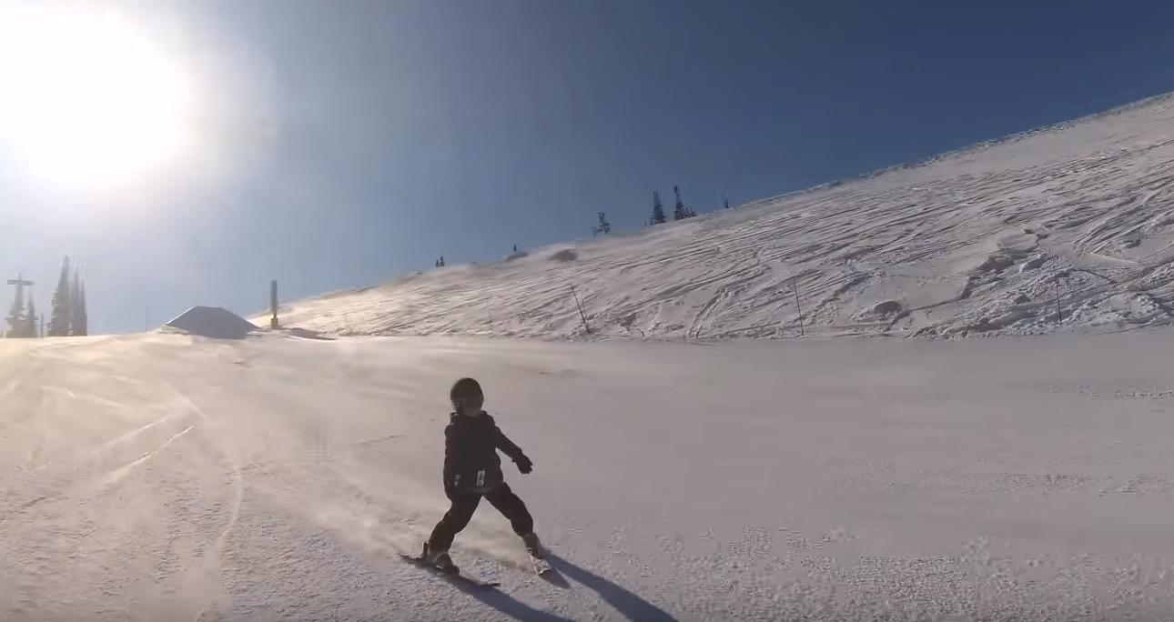 5 jaar oude ski r negeert vader en neemt gigantische schans - Schans handig ...