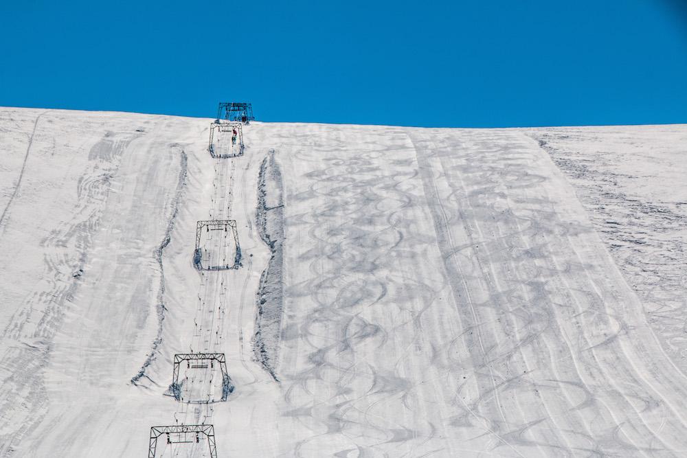 Skiën in de zomer in het Fonna Glacier Ski Resort