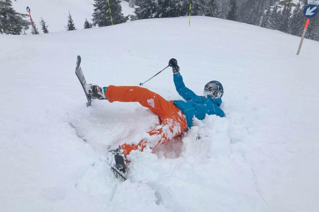 Vallen in de sneeuw