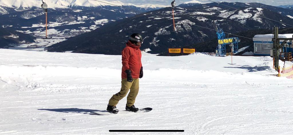 Snowboarder A1 Autobahn Katschberg