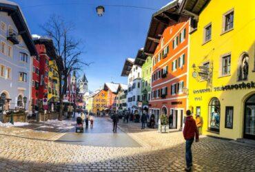 Het kleurrijke centrum van Kitzbühel
