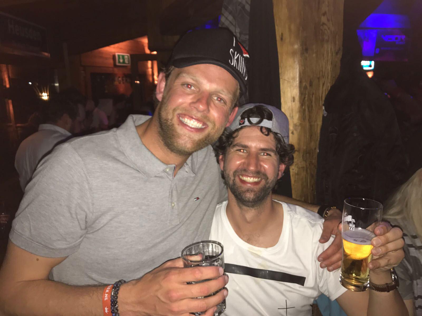 Twee mannen in de après-ski