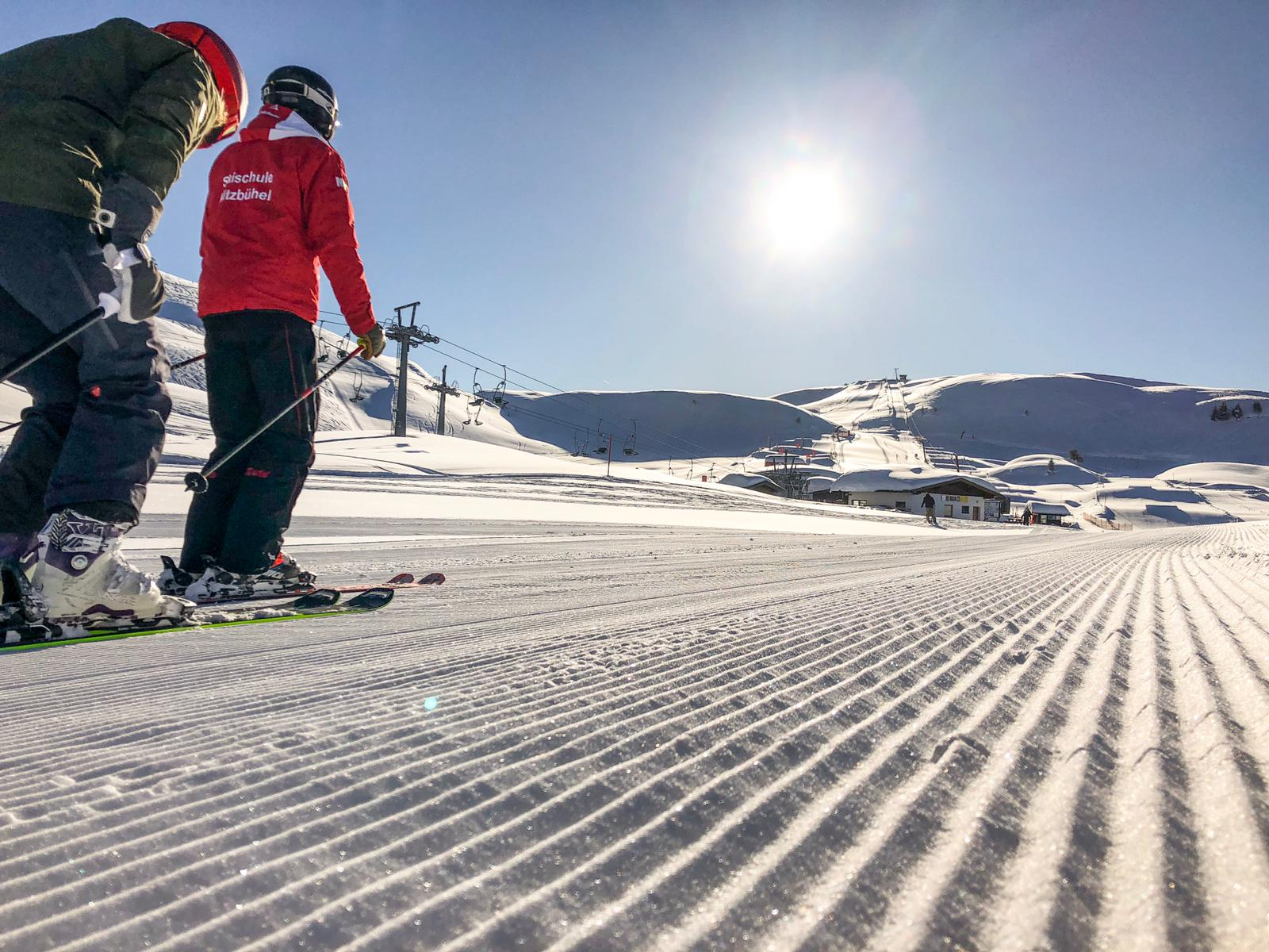 Skiën op een ribbeltjes piste in Kitzbühel