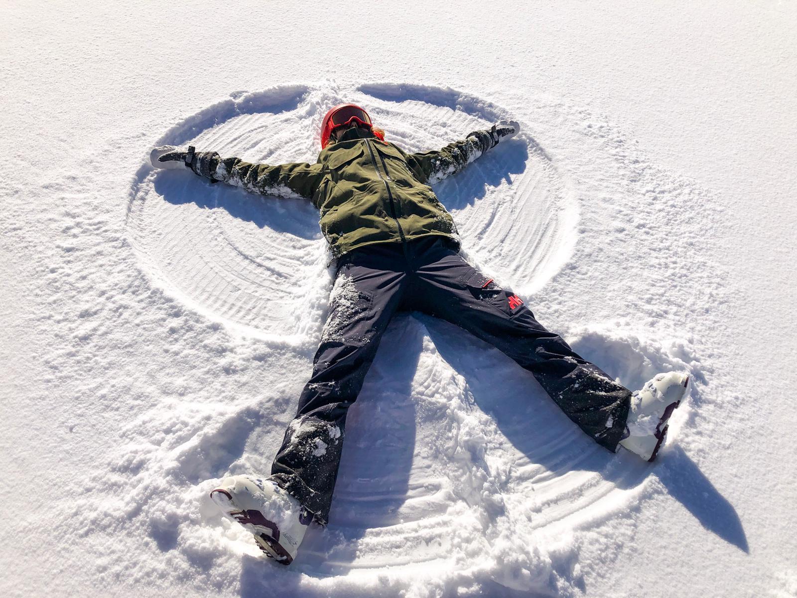 Sneeuwengel maken