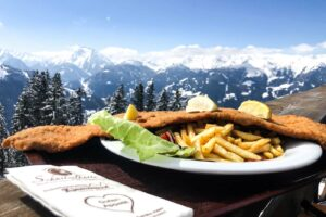 XXXL Wiener Schnitzel in de Zillertal Arena