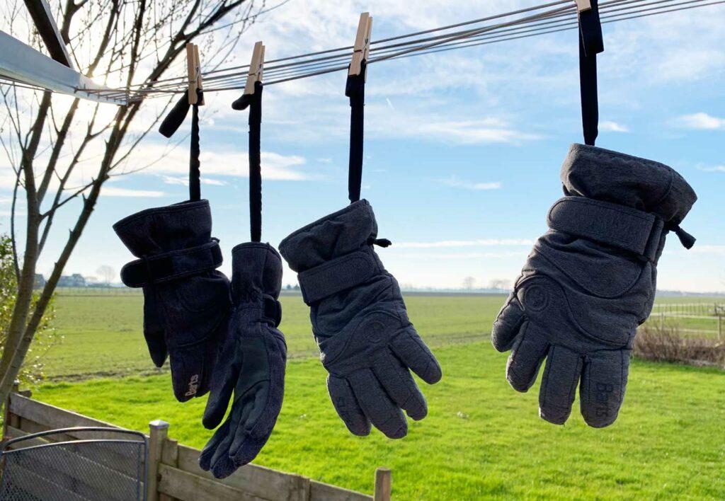 Handschoenen wassen met speciaal wasmiddel