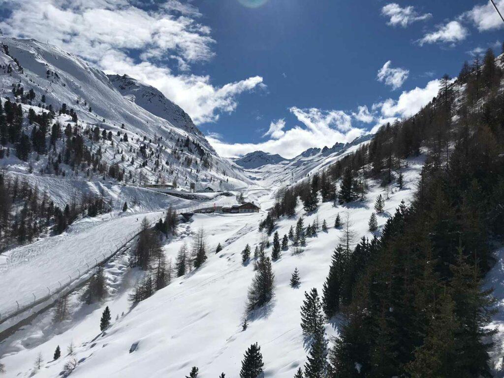 Uitzicht bergen tijdens een wintersport in Sölden
