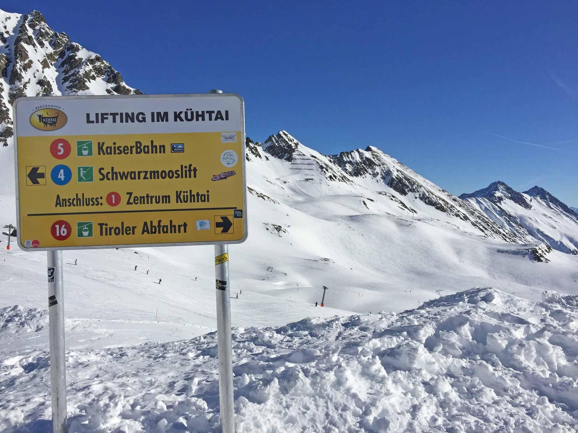 Bord met piste informatie in Kühtai
