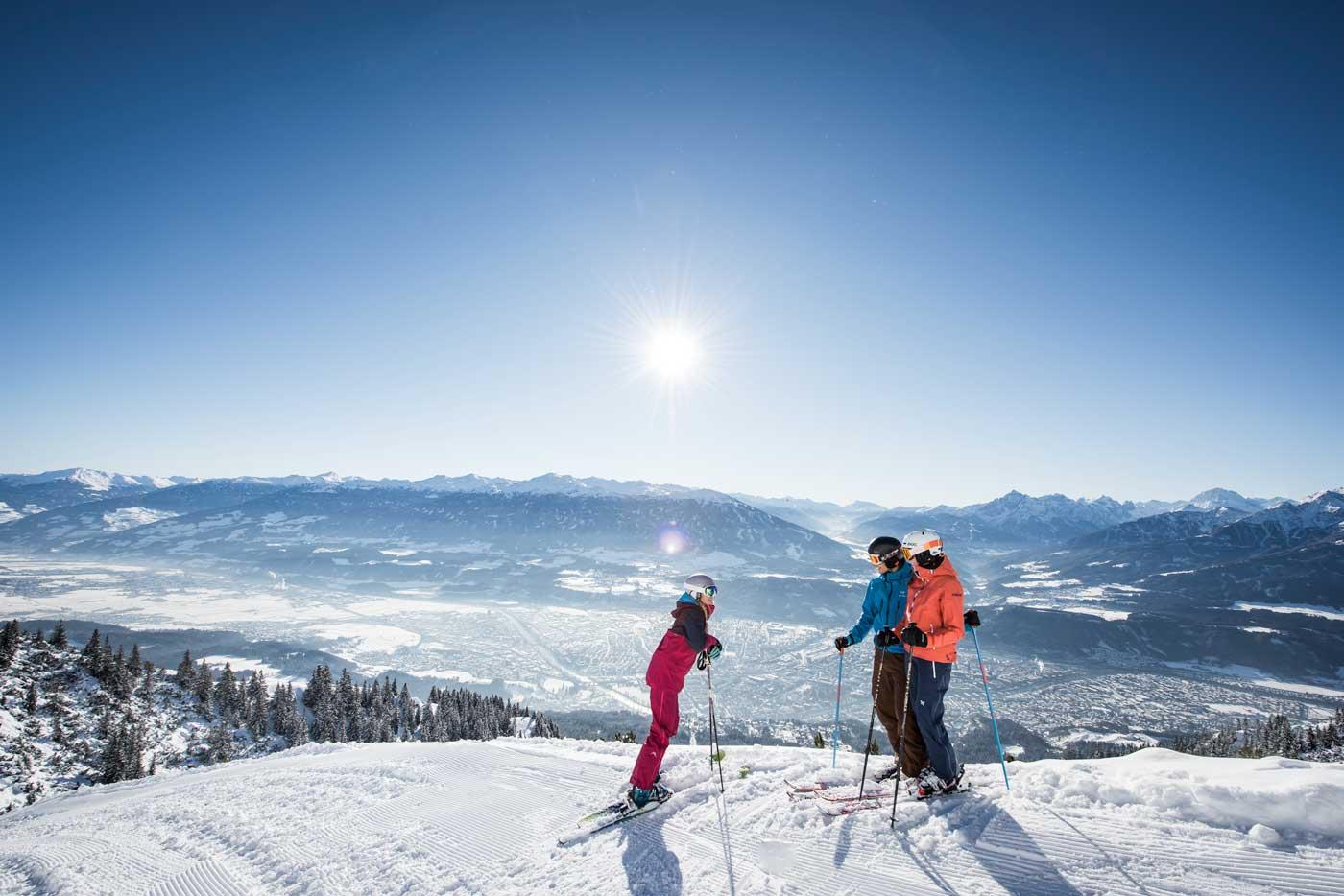 Skiën met uitzicht op Innsbruck