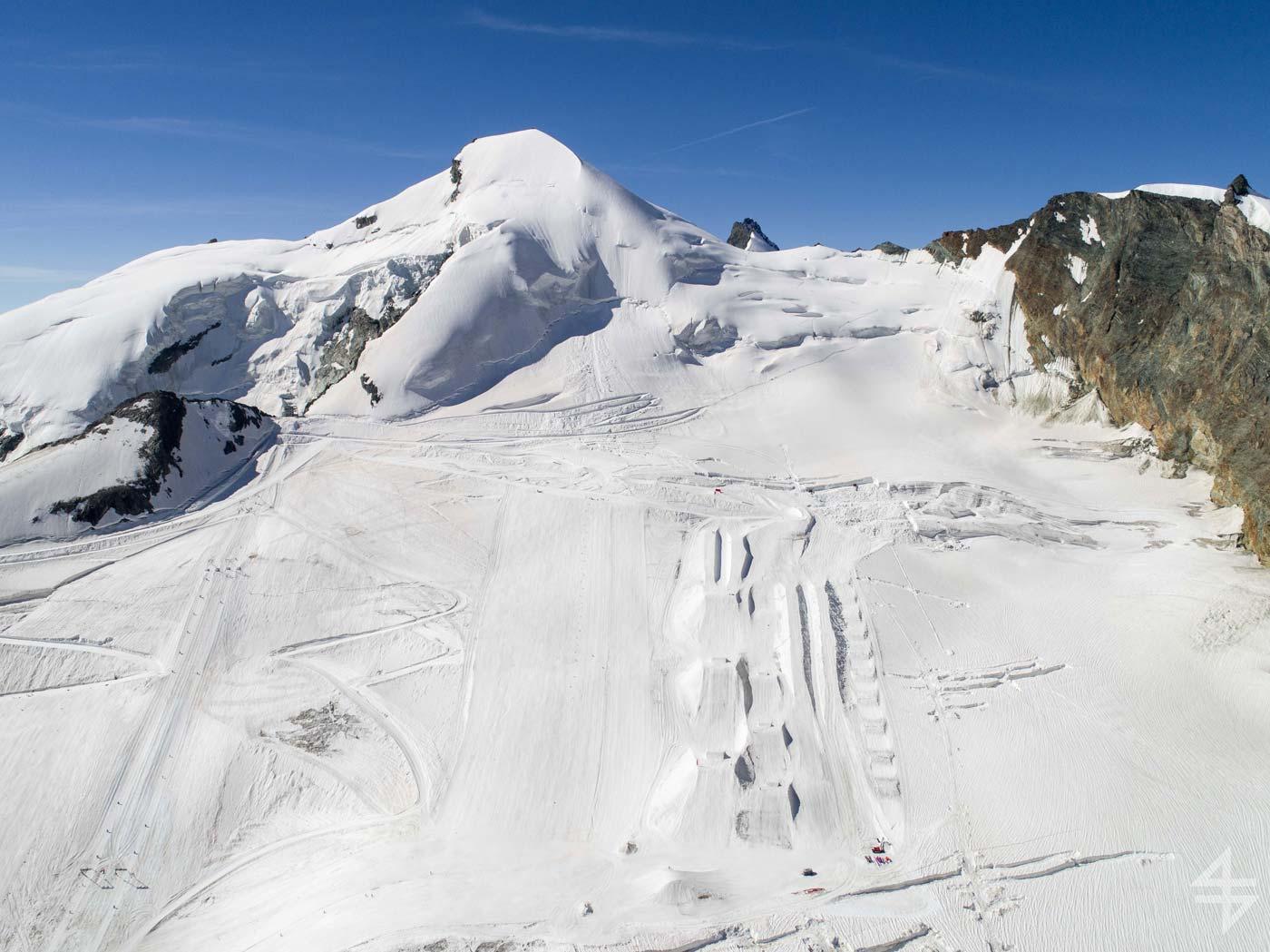 Zomer skiën in Saas-Fee