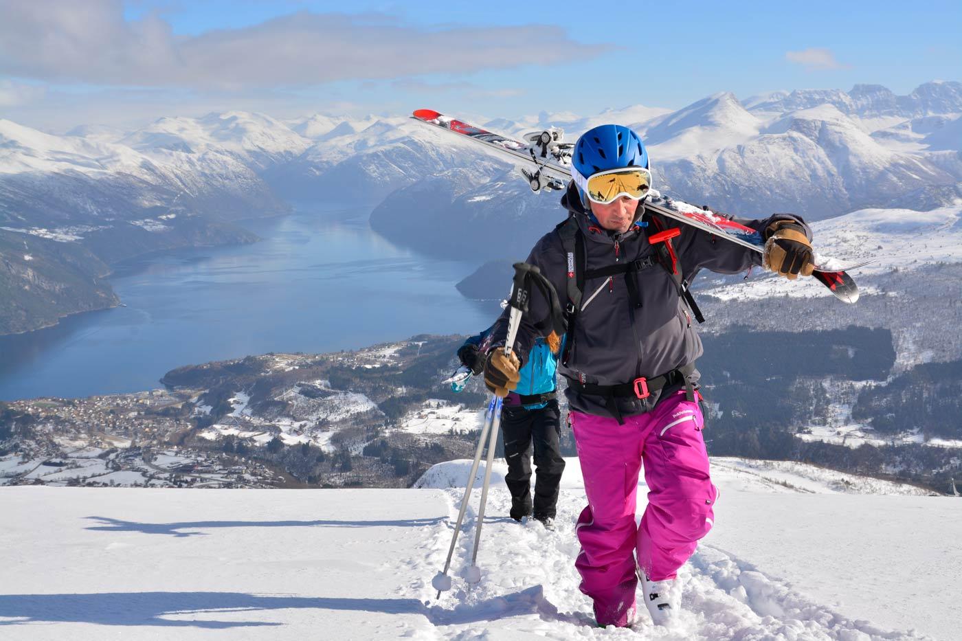 Skiën in skigebied Stranda in Noorwegen