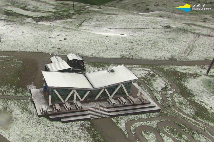 verse sneeuw juli St. Moritz