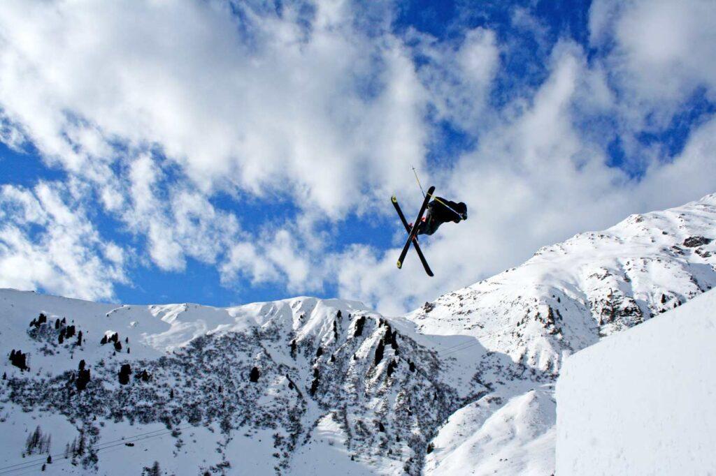 Freestyle skiën op wintersport