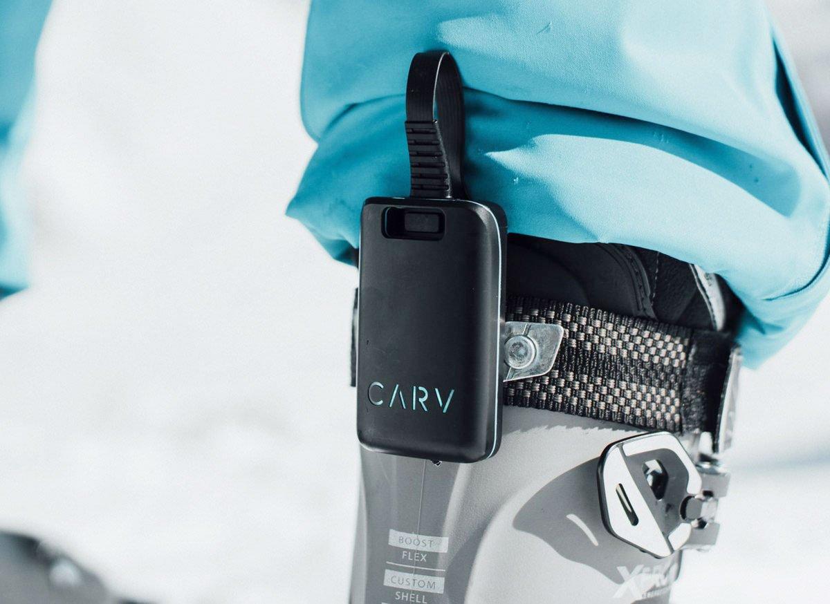 Carv, digitale skileraar apparaatje aan skischoen