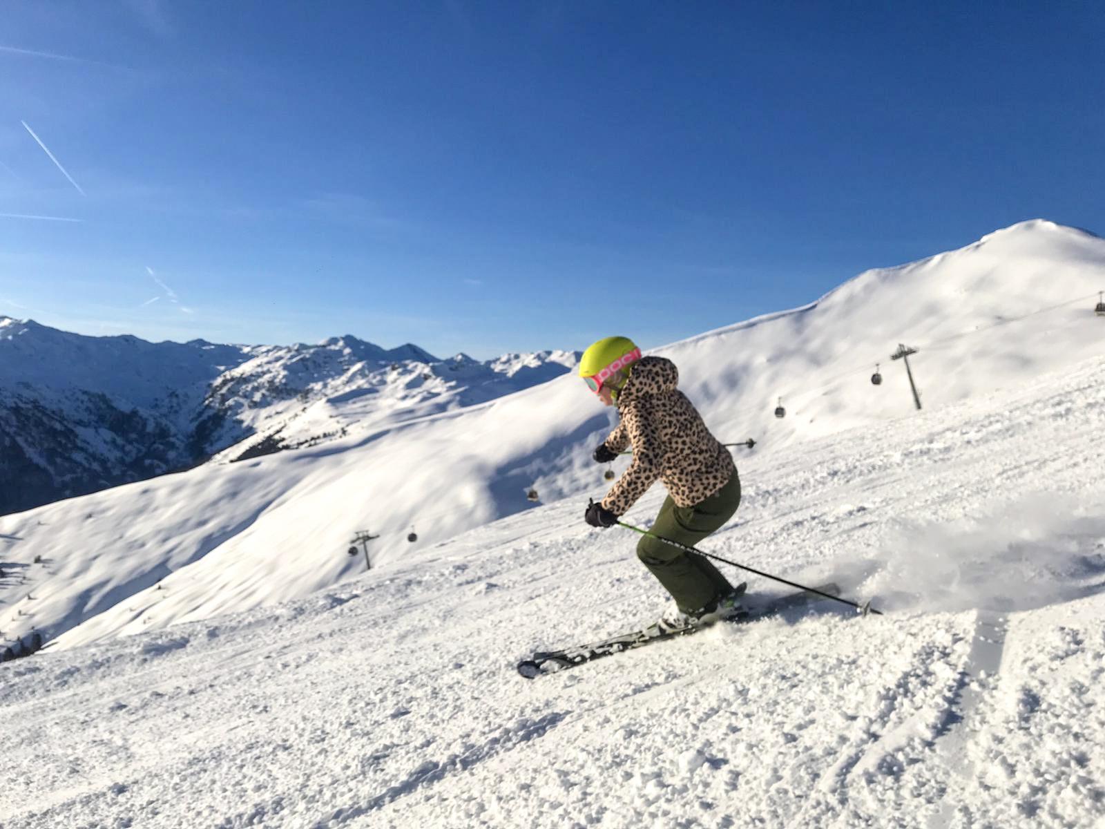 Allmountain ski skiën op de piste