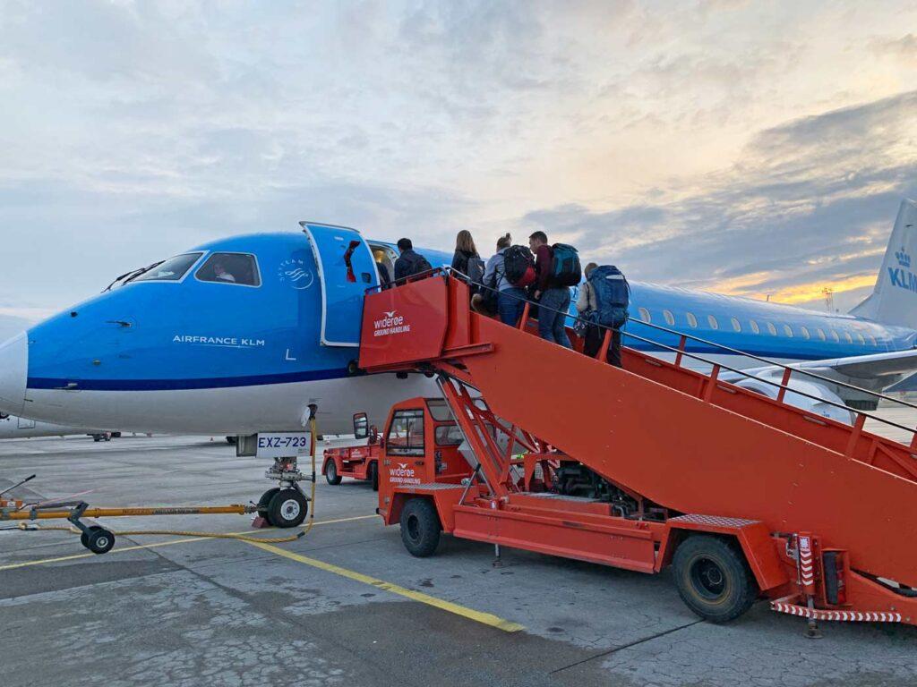 KLM vliegtuig op wintersport Frankrijk 2021