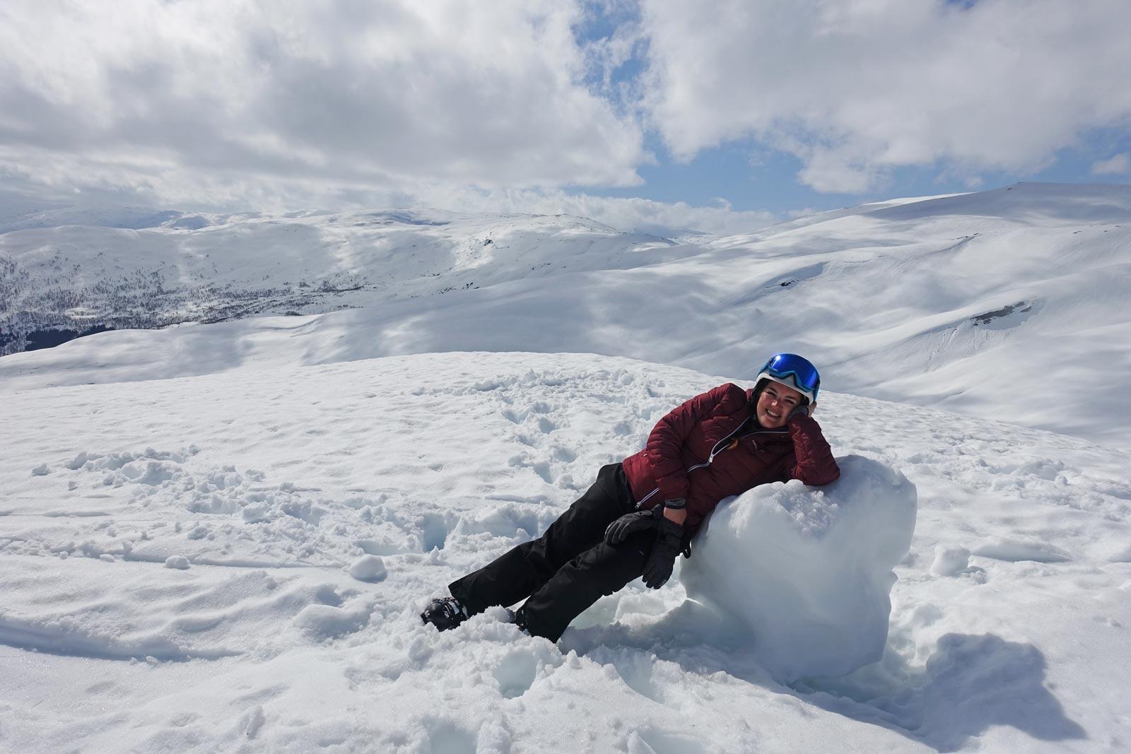 Liggen op een sneeuwbal
