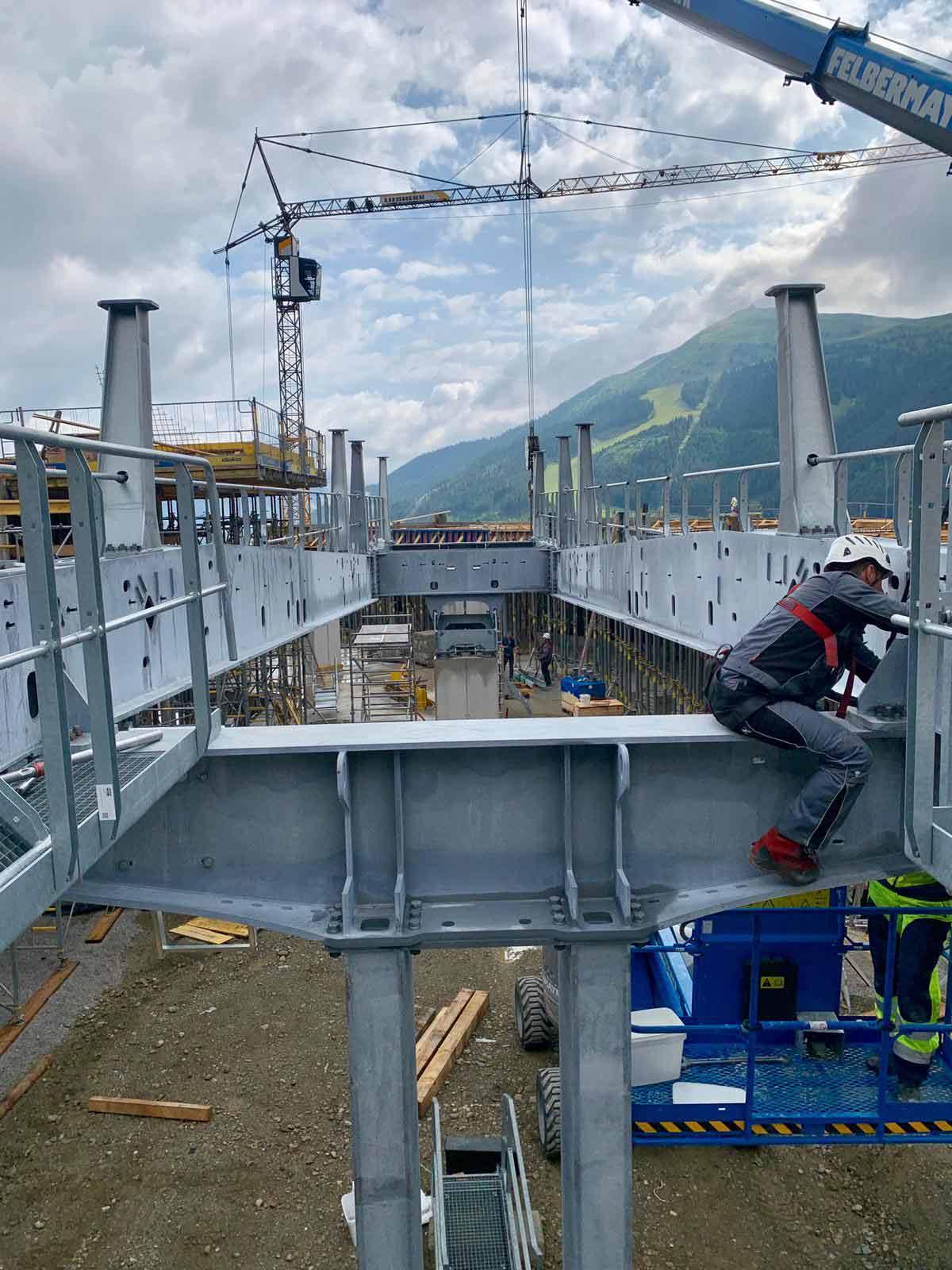 Bouwconstructie Zwölferkogelbahn Hinterglemm