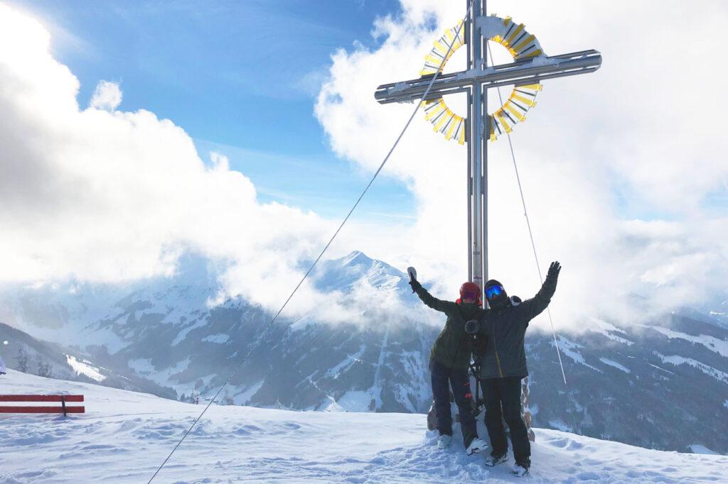 Kruis op de Schatzberg Ski Juwel