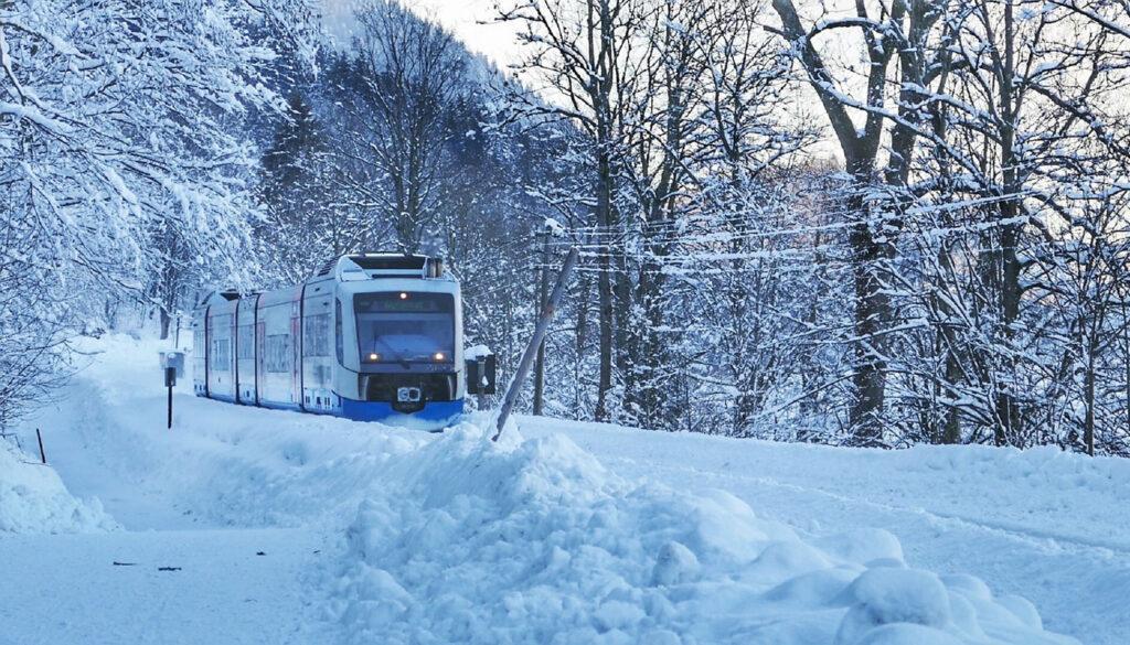 Wintersport met trein naar Oostenrijk
