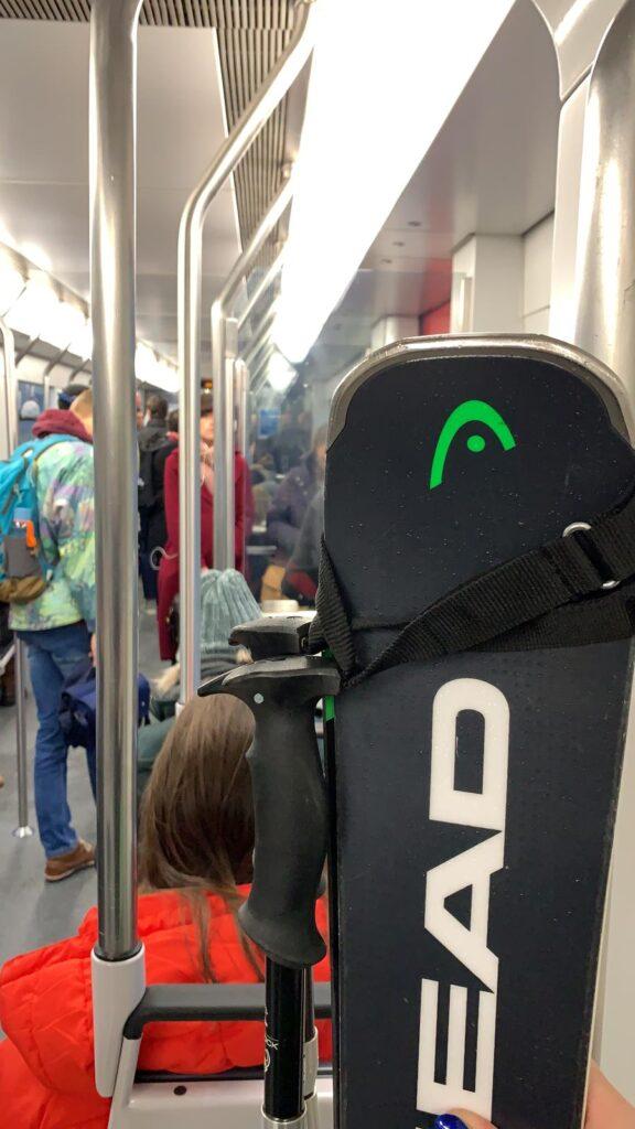 ski in metro