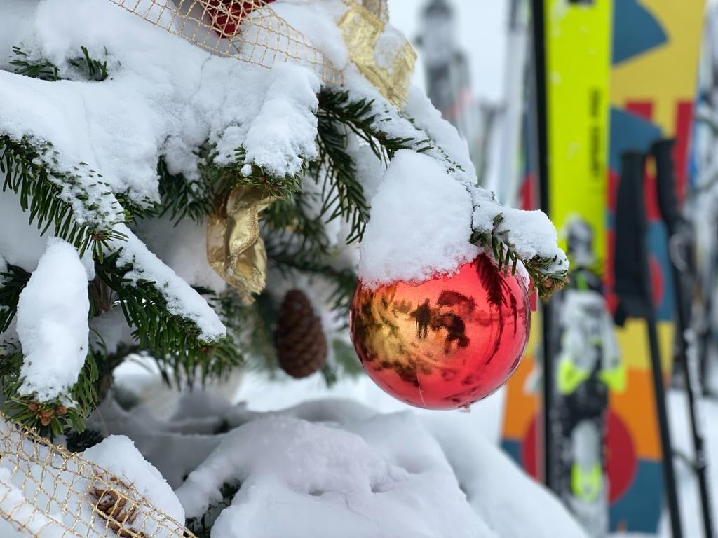 Wintersport met kerst