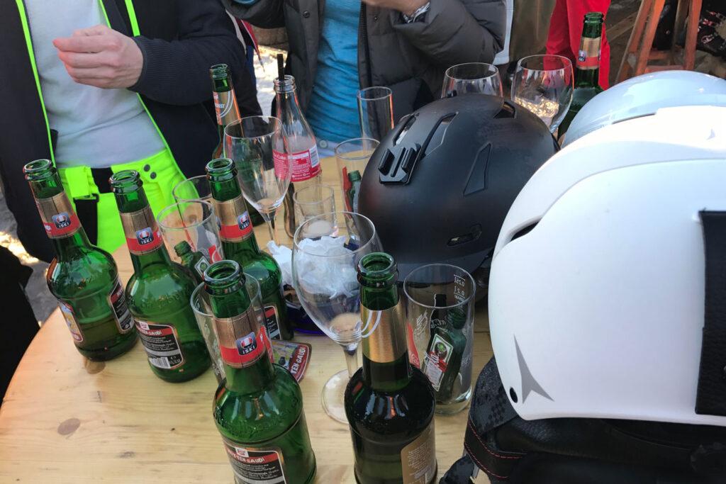 Hopelijk staan we straks ook zo in de nieuwe après-ski bar in Katschberg