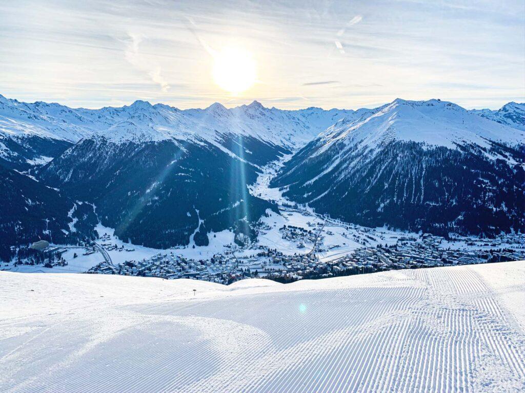Uitzicht op Davos vanaf de piste
