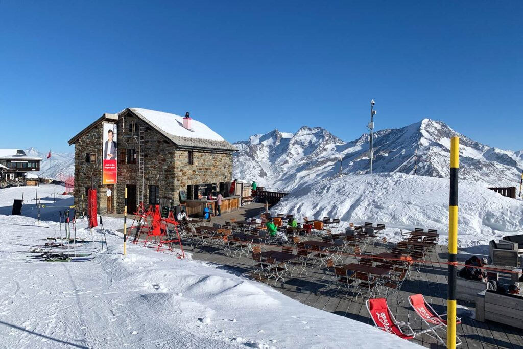 Wintersport in Saas-Fee in november 2021