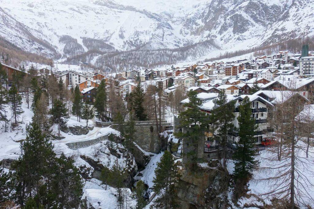 Saas Fee uitzicht op dorp