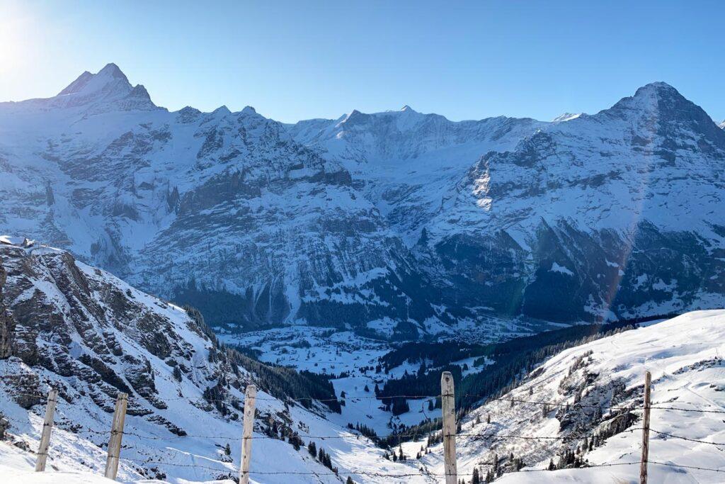 Uitzicht op bergen in Grindelwald