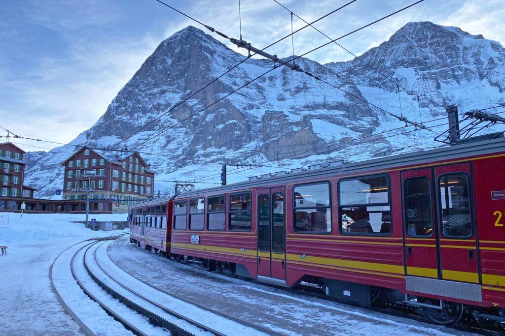 Met de trein op wintersport naar Oostenrijk