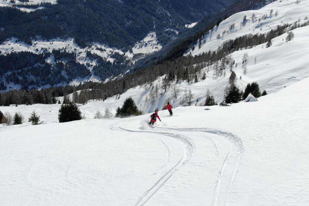 Freeriden is off-piste skiën