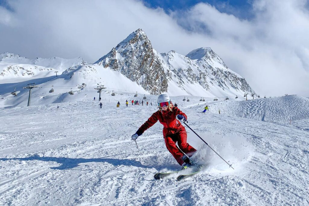 Skiën tijdens wintersport vakantiepark Oostenrijkj