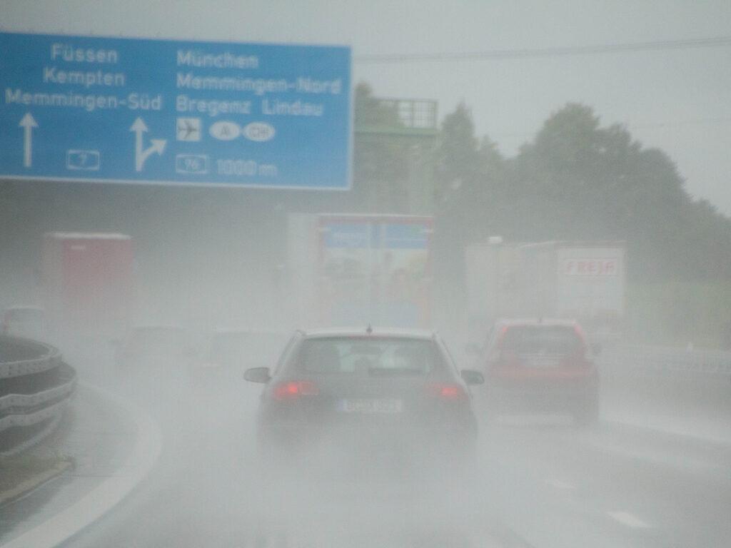 regen op de Duitse Autobahn