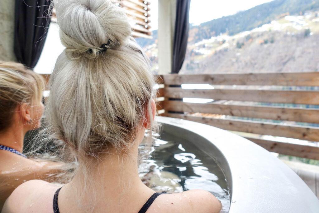 Wellness hotels wintersport in Oostenrijk genieten in Jacuzzi