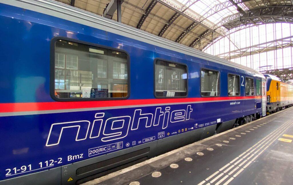 Wintersport trein Tirol ÖBB Nightjet
