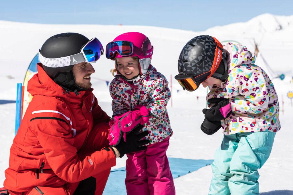 Kinderen op skiles boeken bij CheckYeti
