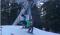 Hoe je niet uit de skilift moet stappen